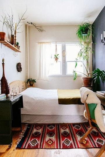 como amueblar una habitacion pequeñas con color