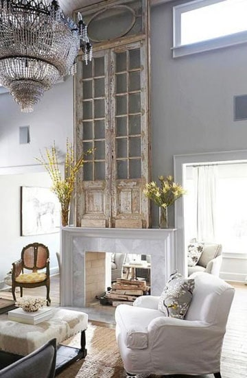 como decorar paredes de sala altas