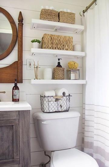 diseños para baños pequeños con baldas