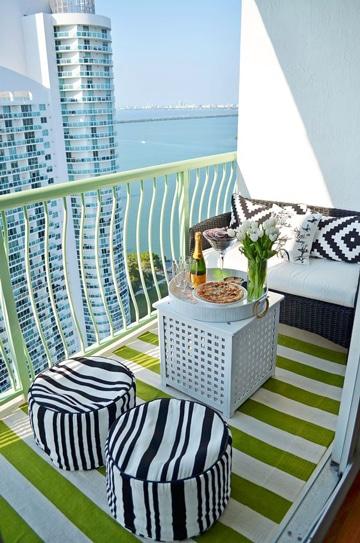balcones pequeños decorados con estilo