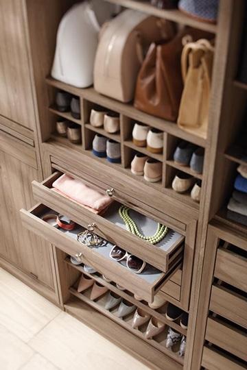 como ordenar los zapatos en closet