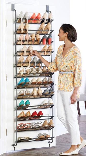 como ordenar los zapatos en puerta