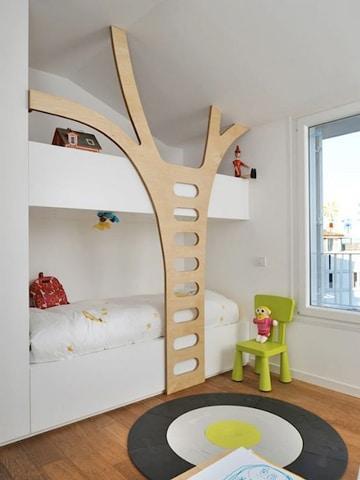 literas de madera para niños en blanco