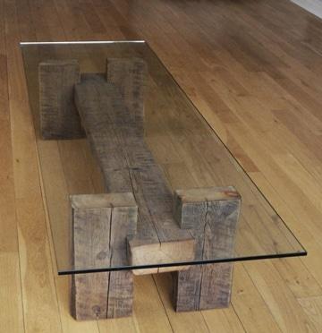 mesas de madera reciclada con vidrio