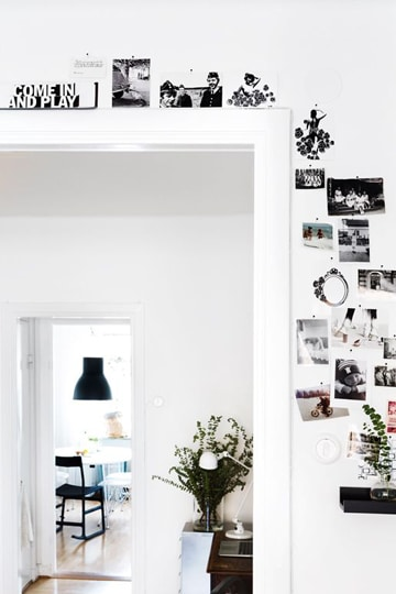 Paredes blancas decoradas que denotan la belleza de lo for Paredes decoradas con fotos