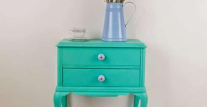 Pintar una mesa de madera en blanco acuarela lpices de - Pintar una mesa de madera ...