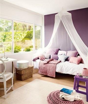 habitaciones color lila y blanco