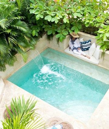 piscinas en patios pequeños minimalistas