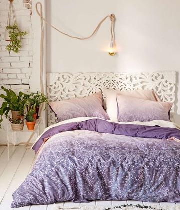 modelos de cojines para cama tonos lila