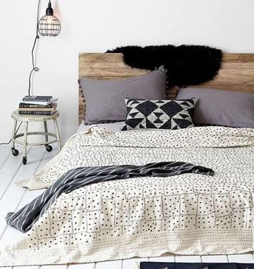 modelos de cojines para cama tonos neutro