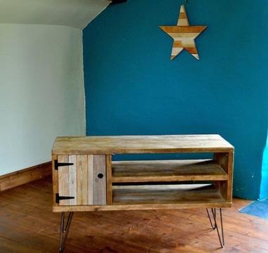 Prueba la ecolog a con estos muebles de madera reciclada for Diseno de muebles con madera reciclada