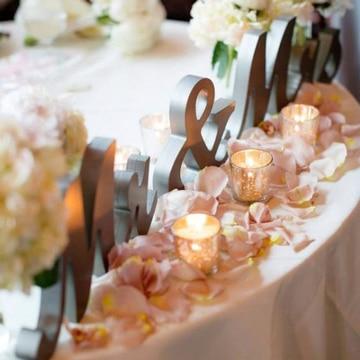 adornos para salon de boda letras decoradas