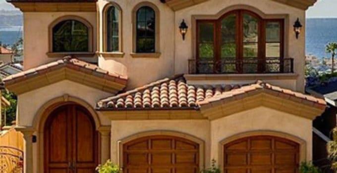 Colores de casas affordable residencia a colores intensos - Colores para pintar la casa ...