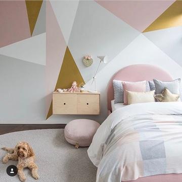 como pintar una habitacion juvenil idea geometrica