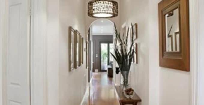 una especial decoracion de entradas y pasillos