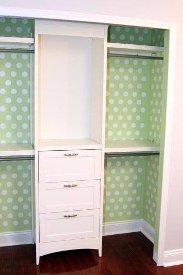 diseños de closet pequeños de madera