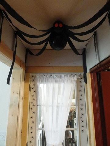 adornos caseros para halloween para interiores