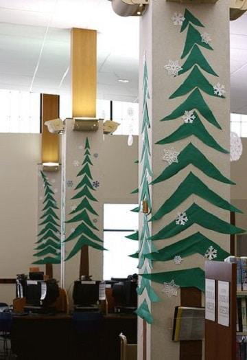oficinas decoradas de navidad pinos