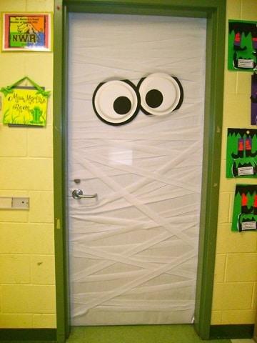 originales dise os en puertas decoradas para halloween