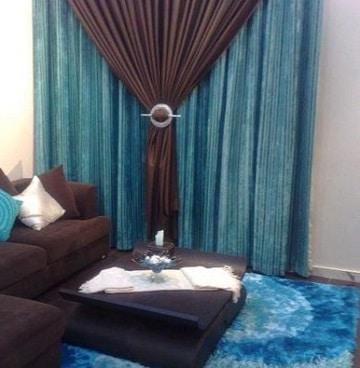 cortinas azul turquesa y cafe