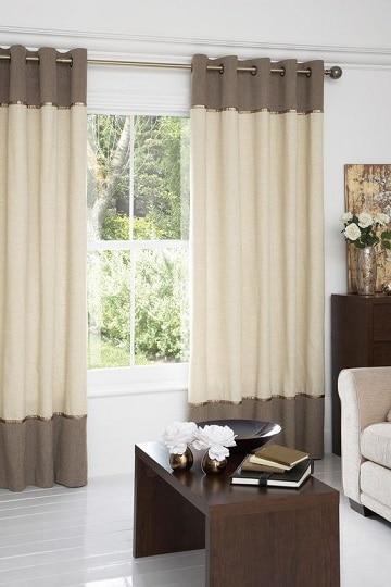 Decoraci n con telas y cortinas blancas y grises como for Cortinas blancas