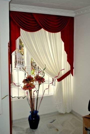 cortinas rojas para sala con blanco