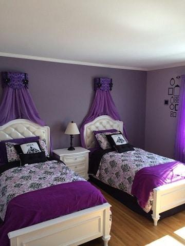 cuartos de color morado y lila para gemelas