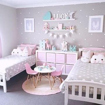Ambientes y decorados en cuartos pintados de gris
