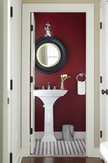 cuartos pintados de rojo baños
