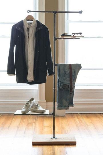 muebles para colgar ropa sencillo