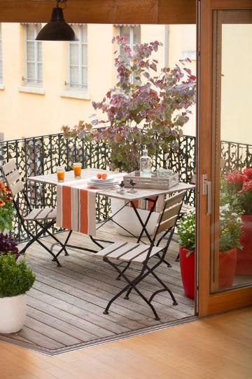 acogedoras terrazas decoradas con plantas