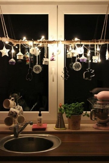 adornos de navidad para ventanas de la cocina