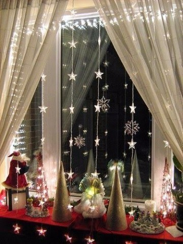 cortinas de luces navideñas en ventanas