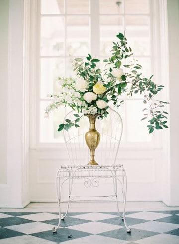 imagenes de floreros con flores dorado