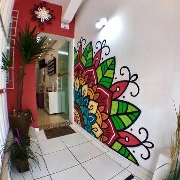Hermosos decorados de paredes pintadas con mandalas como for Dibujos para adornar paredes