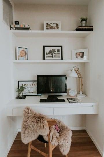 cuarto de estudio en casa sencillo