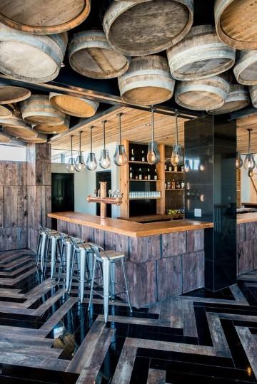 Algunos elegantes dise os de barras de bar como decorar for Disenos de bares rusticos