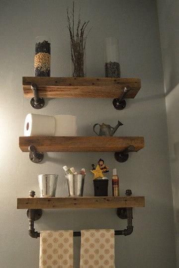estantes de madera para baño pequeño