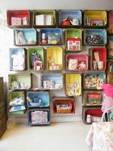 estantes para guardar juguetes con cajones