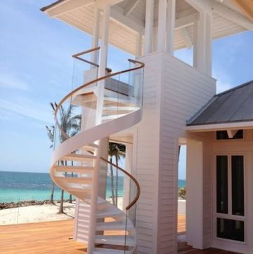 fotos de escaleras de madera de exteriores
