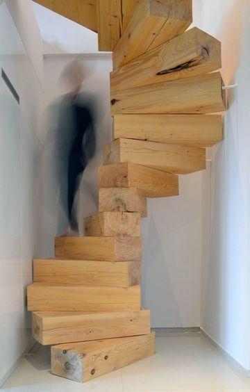fotos de escaleras de madera rustica