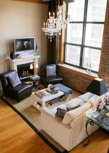 salas pequeñas con chimenea clasica