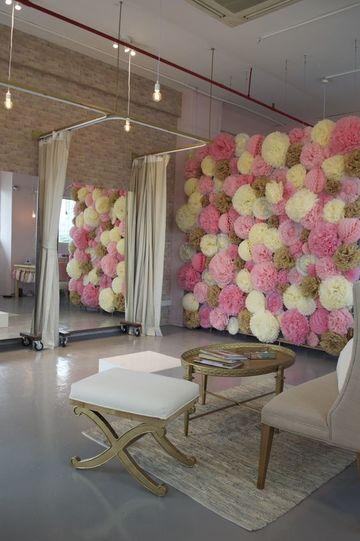 decoracion de tiendas de ropa de mujer con flores