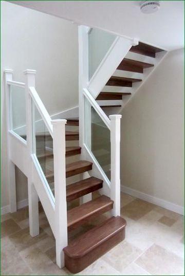 escaleras pequeñas para interiores espacios pequeños