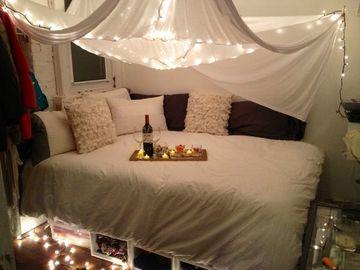 imagenes de camas romanticas luces y brindis