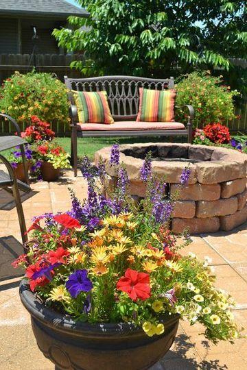 ideas para arreglar un jardin con matero