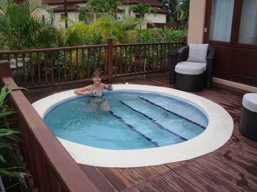 piscinas pequeñas para terrazas redondas