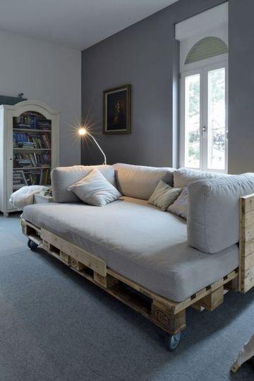 camas de palets reciclados con ruedas