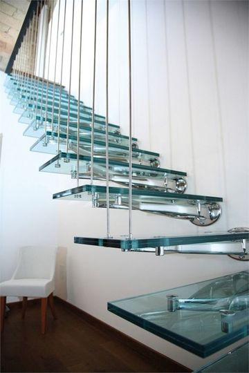 imagenes de escaleras modernas en acrilico (1)