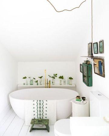 baños decorados con plantas pequeñas